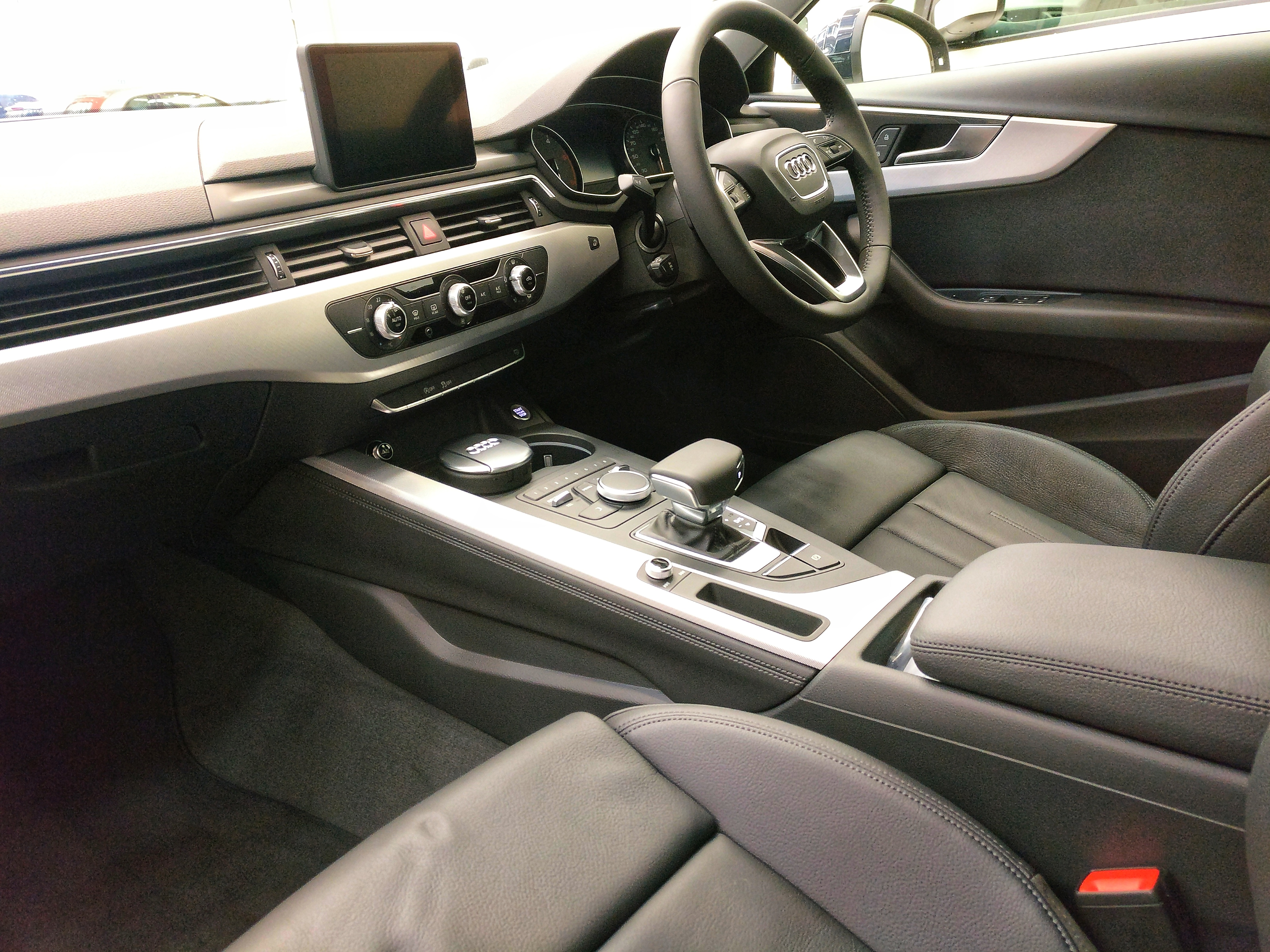 Johnson & Perrott Fleet Audi A4 Avant Edition 50 interior - Johnson ...
