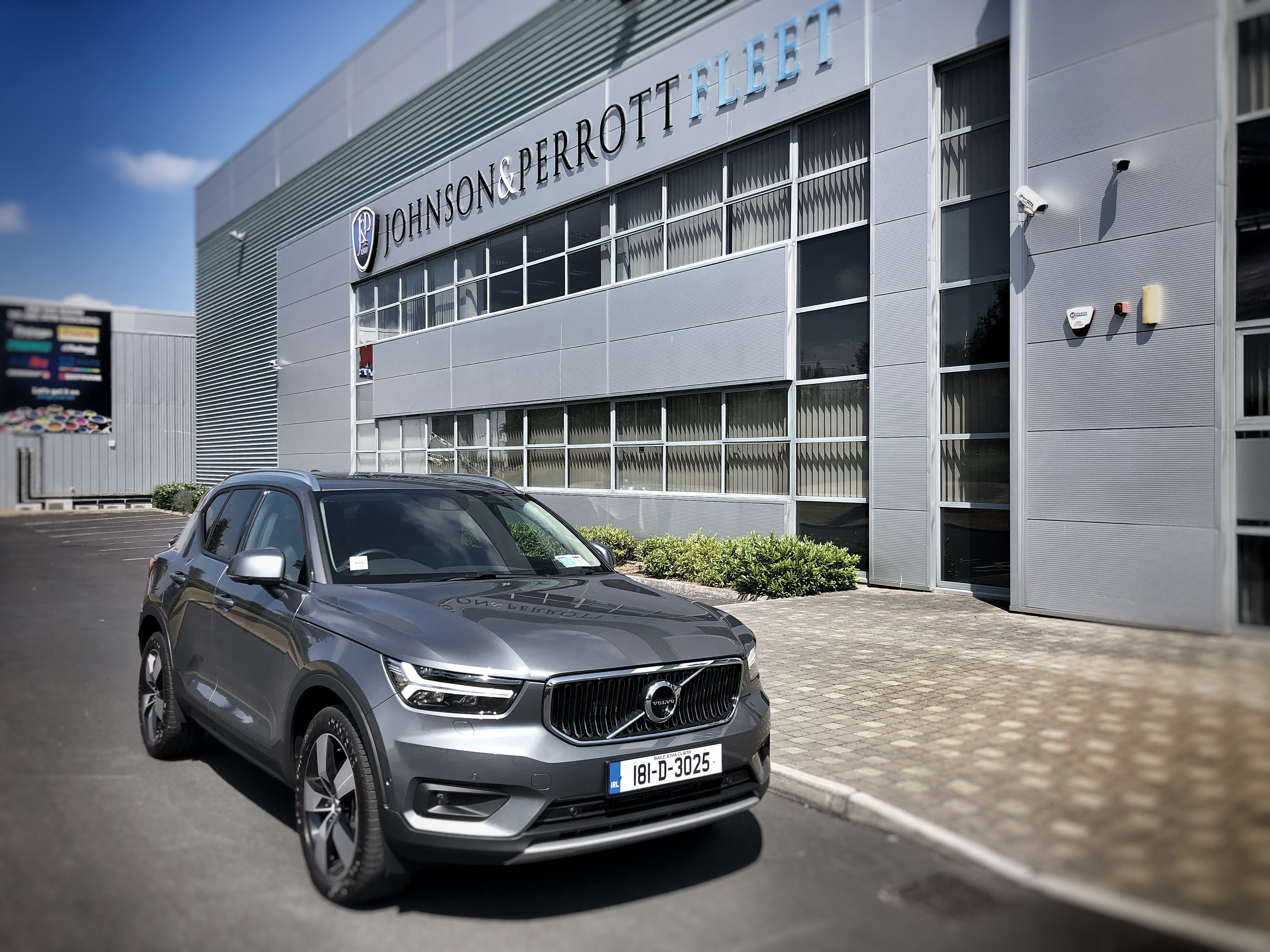 johnson and perrott volvo xc40 leasing johnson perrott. Black Bedroom Furniture Sets. Home Design Ideas